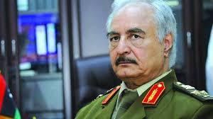 En Libye, Khalifa Haftar ne reconnaît plus les Accords de Skhirat, pousse son pays vers l'inconnu