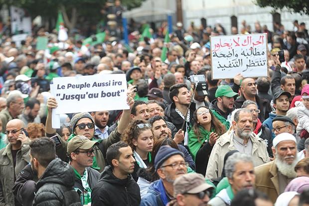 Des activistes du Hirak relaxés à Ain Temouchent et Souk Ahras