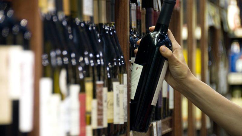 Fermeture des bars et débits de boissons en Algérie : le marché noir prend le relais