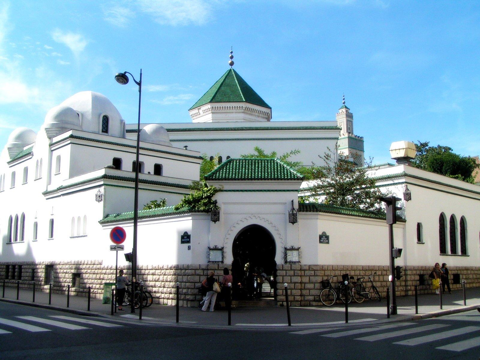 L'Algérie ne détachera plus ses imams en France