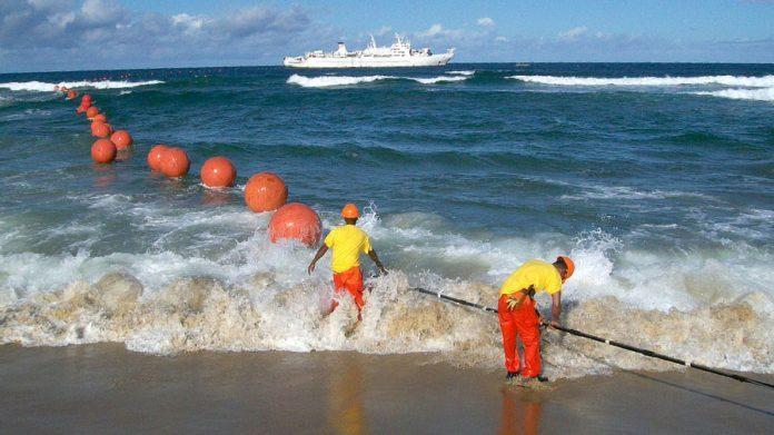 Internet: les travaux de maintenance sur le câble sous-marin SeaWeMe4 risque d'entrainer une «courte» perturbation (AT)