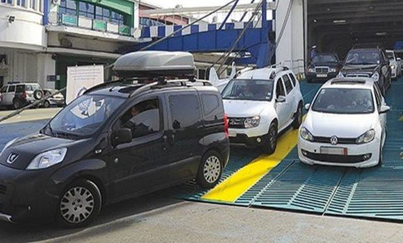 فرحات آيت علي : تجميد استيراد السيارات الأقل من 3 سنوات جاء بسبب موانع تقنية و قانونية