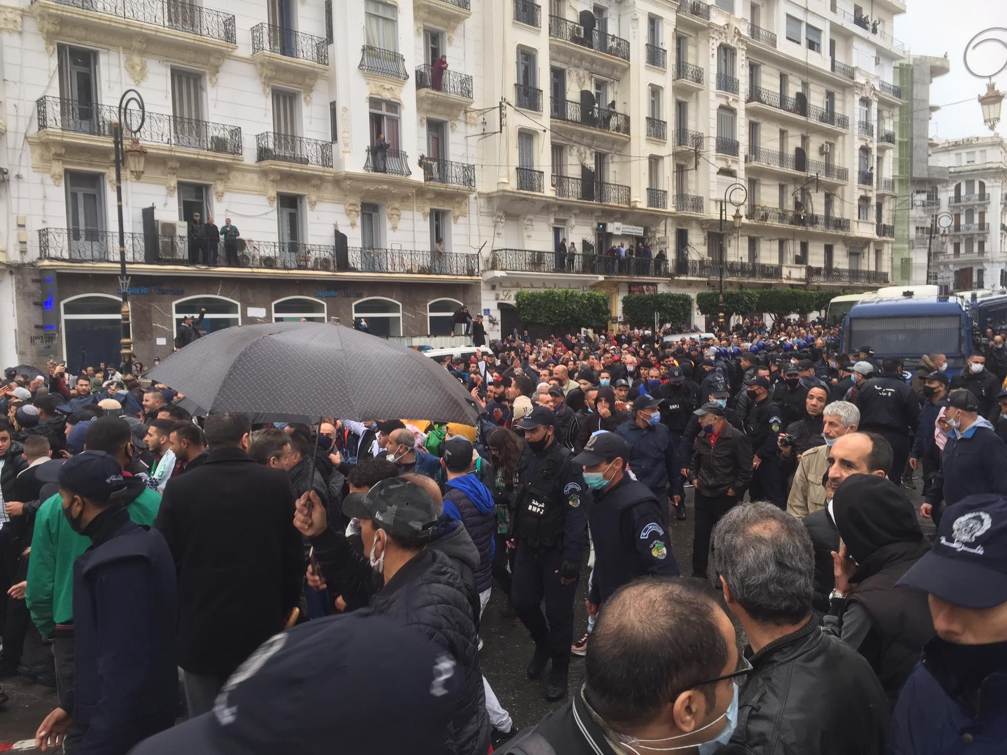 محامون: هذا ما يجب أن يعرفه المُتظاهرون عند التوقيف من طرف الأمن