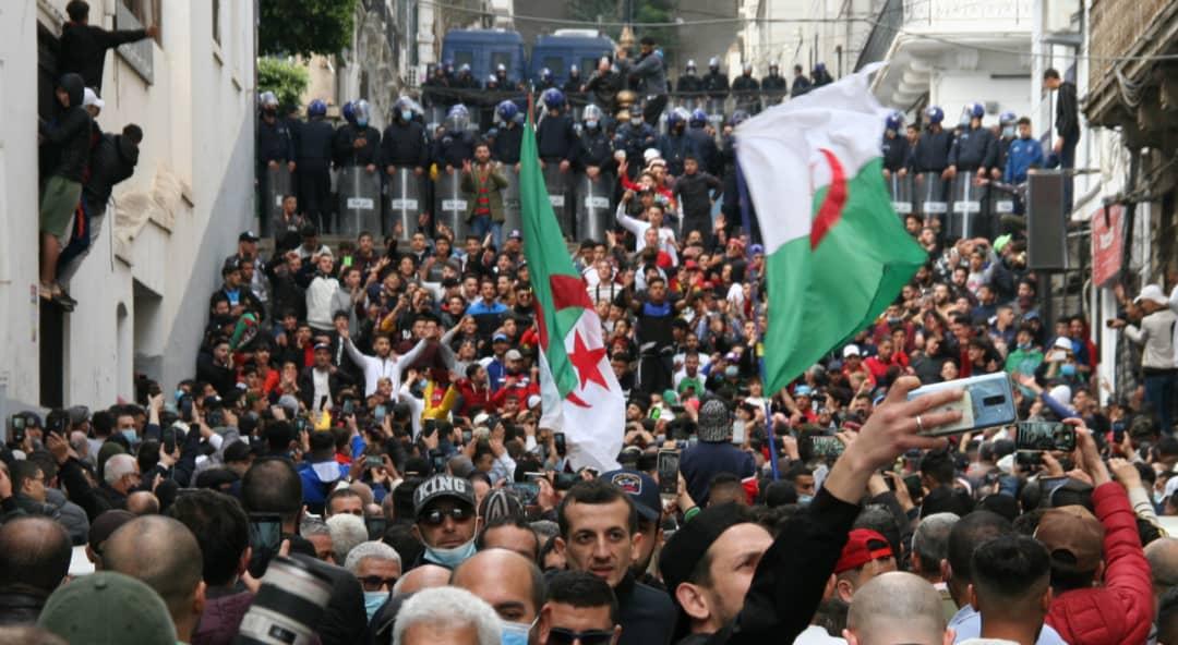 Retour des marches du Hirak, Tebboune, le régime militaire et la police politique rejetés