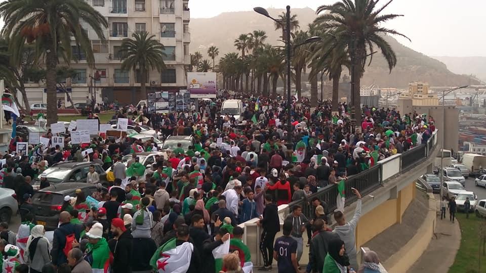 En vidéo : encore un vendredi de répression à Oran !