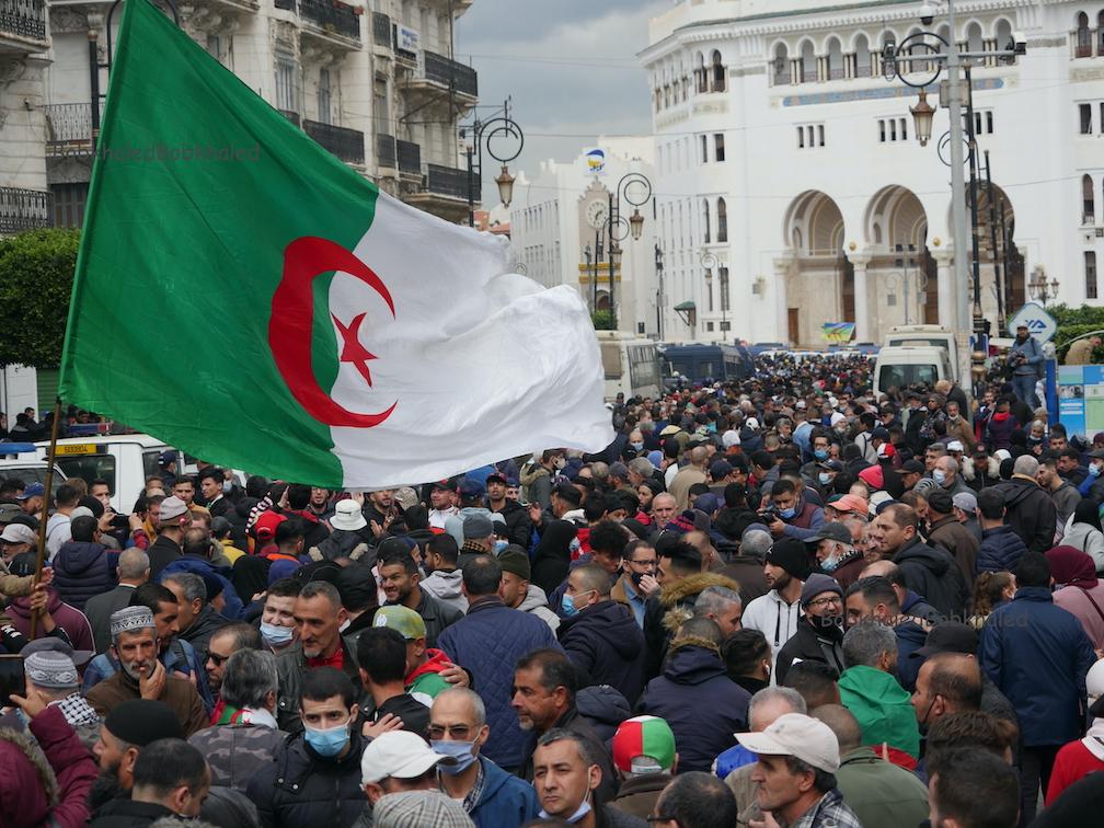 الحراك يستأنف مسيراته: لا مكان للصراعات الإيديولوجية و «حلم 22» لازال مُمكناً