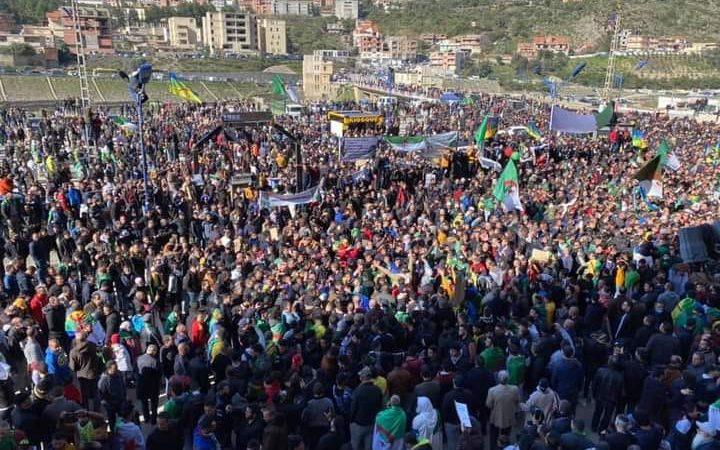 الإعلام العُمومي والخَاص يتجاهل مَسيرة خراطة: التعتيم مُجدداً