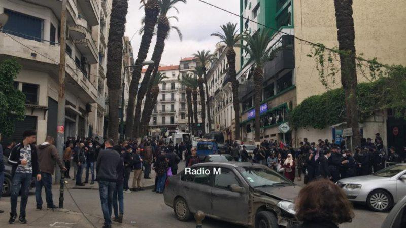 مسيرة الطلبة : ممنوع التصوير.. الشرطة في كل مكان واعتقال العشرات للأسبوع الثاني على التوالي