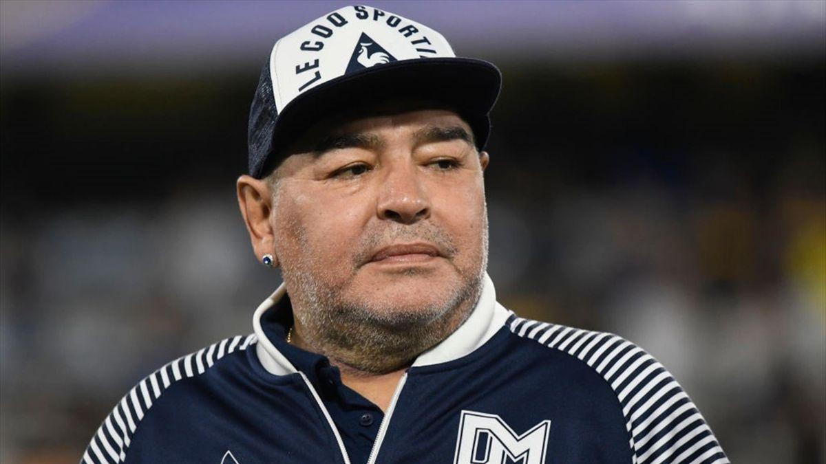 Maradona a agonisé, «abandonné à son sort» selon des experts médicaux