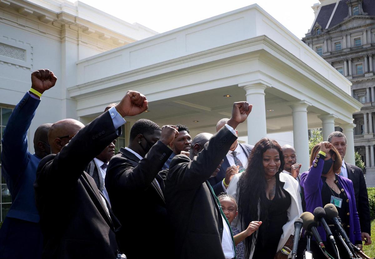 A la Maison Blanche, la famille de George Floyd réclame des réformes dans la police