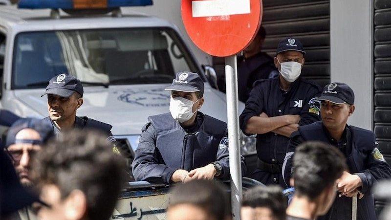 للأسبوع الثالث على التوالي: منع مسيرة الطلبة واعتقالات عديدة في العاصمة وبجاية