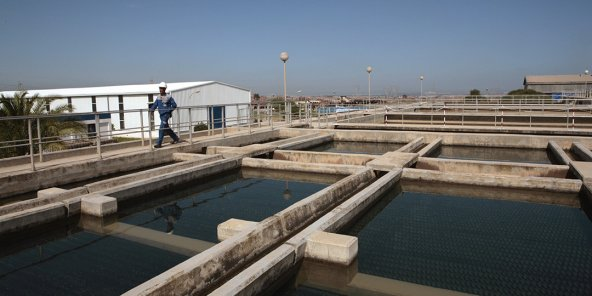 وهران: عجز بـ250 ألف متر مكعب من المياه بالمرافق الأولمبية وانتعاش لتجارة الصهاريج