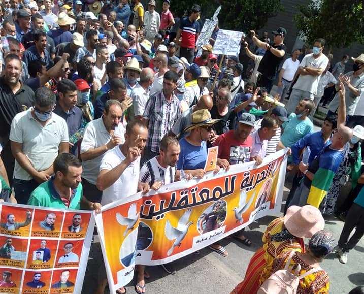 Kabylie : Les citoyens suspendent les marches du Hirak