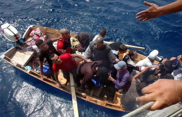 الإعلان عن إنشاء «فرق مراقبة الشواطئ» للتبليغ عن قوارب الهجرة بوهران