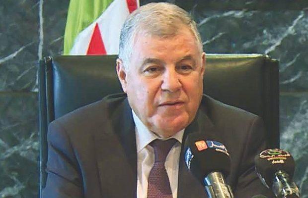 Une journée après l'extradition d'Ould Kaddour, l'ancien ministre de l'Energie Mustapha Guitouni quitte le pays