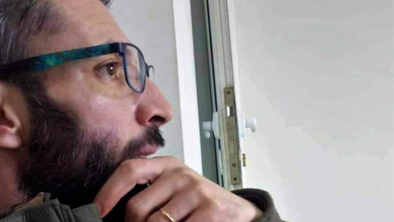 تقديم الصحفي محمد مولوج أمام محكمة سيدي أمحمد رفقة 8 موقوفين