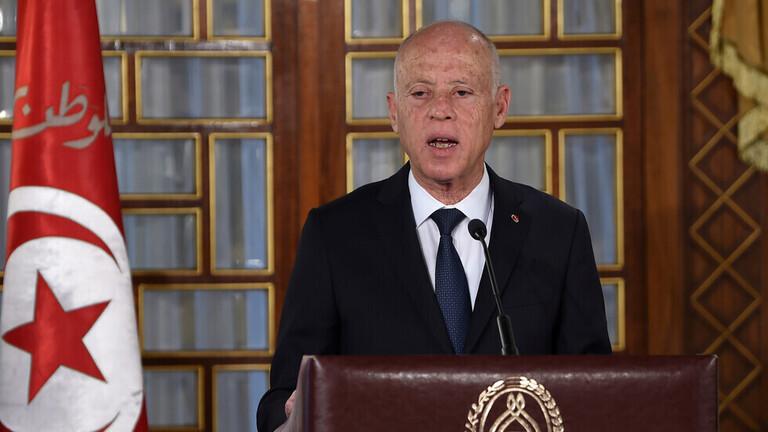 الرئيس التونسي ينوي تغيير الدستور  وخبير قانوني يؤكّد أنه انقلاب وخروج عن الشرعية