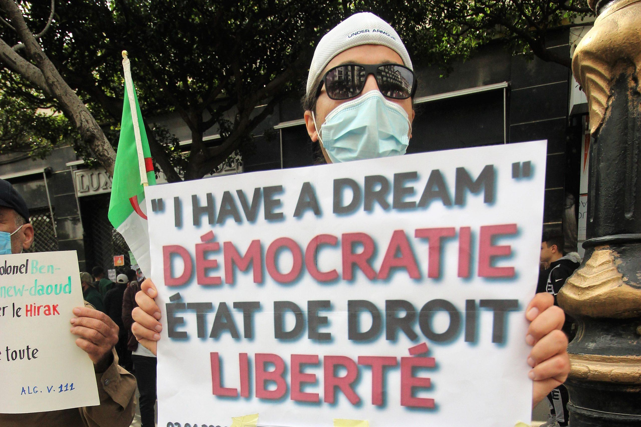 Les libertés démocratiques mises à mal et le pouvoir ne démord pas